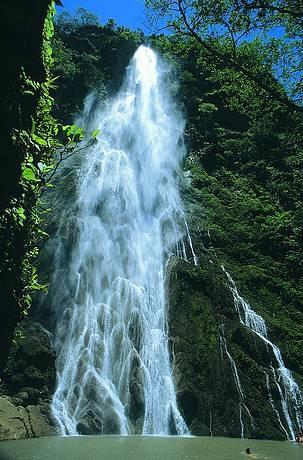 Boca da Onça está entre as mais bonitas quedas da região
