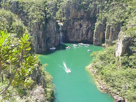 Cachoeira Lagoa Azul - Cenário é cartão-postal da região