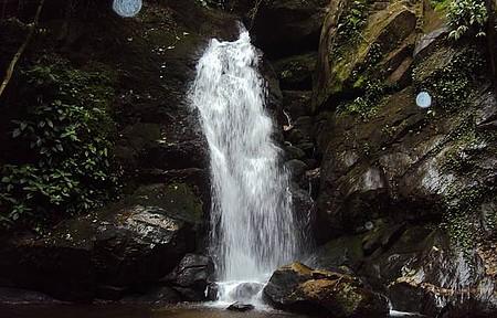 Curtir as cachoeiras - Outra bela cachoeira da região