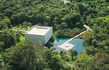Galeria Adriana Varejão - Pavilhões e obras de arte interagem com a natureza