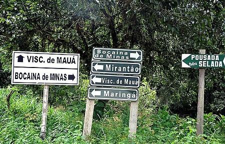 48 horas em Visconde de Mauá (RJ) - Plaquinhas indicam os pedaços do paraíso