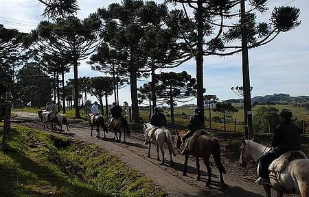 Cavalgada - Passeios revelam paisagens tipicamente gaúchas