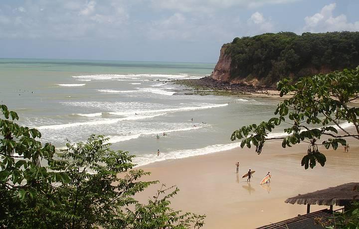 Paraíso para surfistas e banhistas