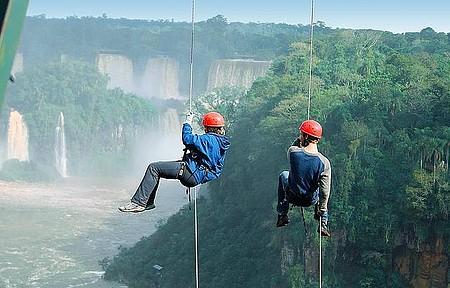 Esportes de aventura - Adrenalina garantida no rapel em Foz
