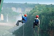 Adrenalina garantida no rapel em Foz