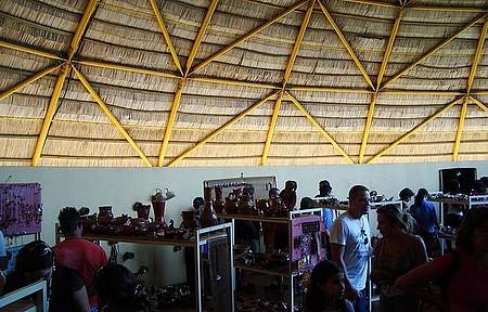 Campo Grande - Memorial Indígena, Muito Artesanato