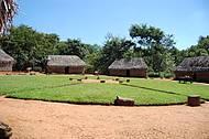 Réplica em tamanho original de uma aldeia indígena modelo Timbira,