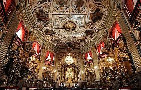 Matriz de Nossa Senhora do Pilar - Com 400 quilos de ouro, é uma das mais suntuosas do Brasil