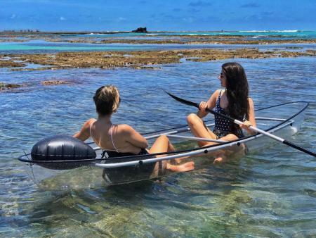De caiaque transparente nas piscinas de Ponta Verde - Destino: piscinas naturais de Ponta Verde