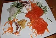Sashimis de salm�o, polvo e peixe branco.