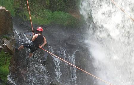 Rapel na Cachoeira - Imperdível! Vale a pena!