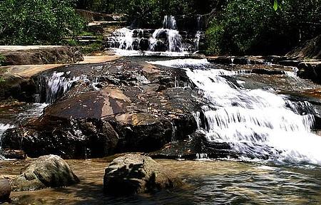 Cachoeiras se espalham pela região da Bicuda Grande