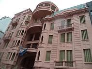 Espaço ocupa um antigo hotel