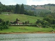 Vista das margens represa