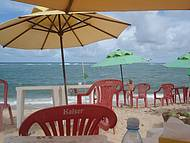 Praia do Gunga. Sombra e água fresca.