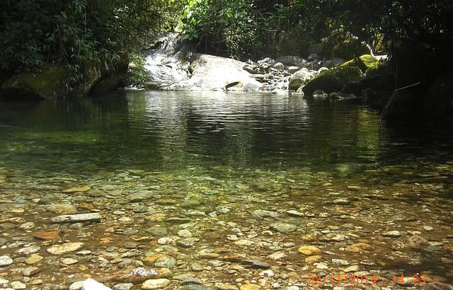 Cachoeira do escorrega.