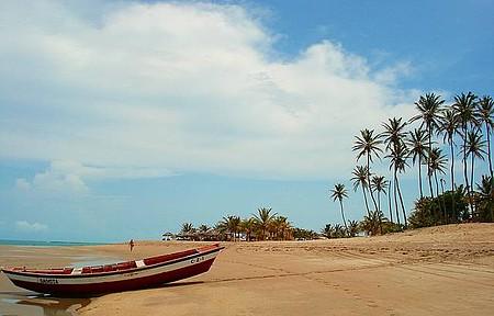 Maré baixa na praia do coqueiro. Pura tranquilidade.