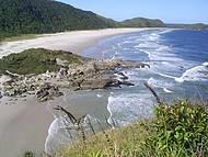Um dia de caminhada pelas praias da Ilha do Mel