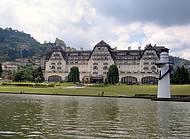 O Farol e o Hotel
